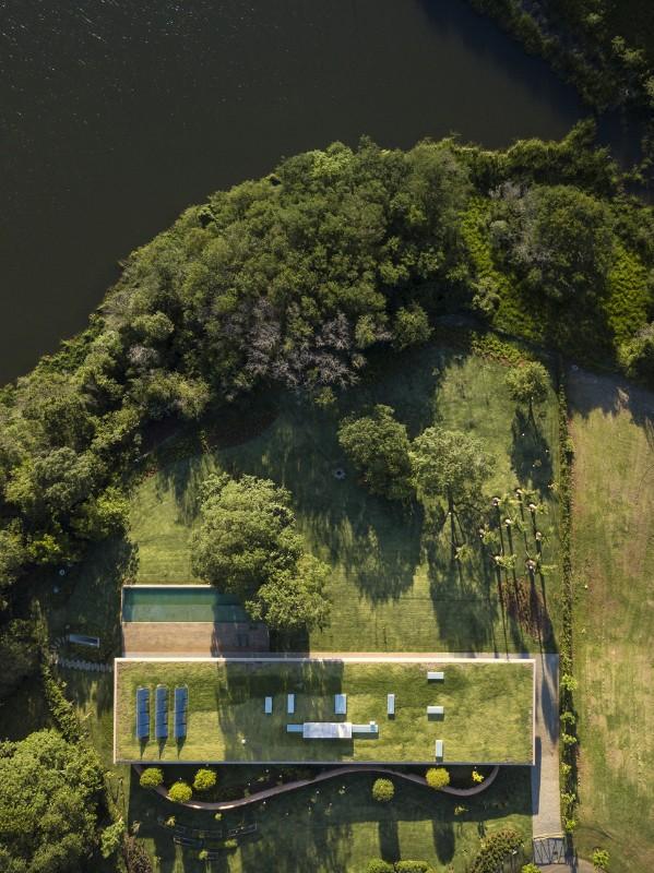 PORTO FELIZ – BRAZIL The mimetic house by Marcio Kogan