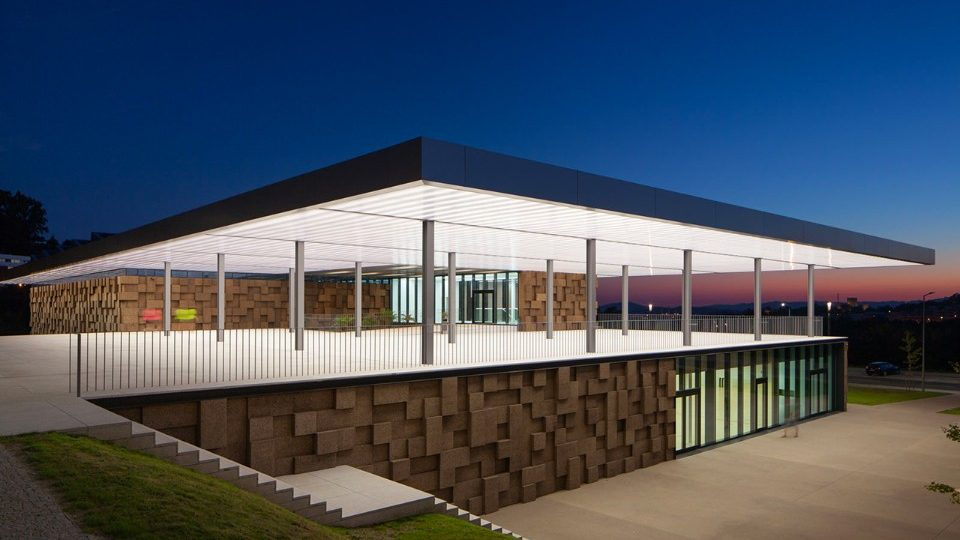 Guimarães – Portugal A sports centre which balances technology and architecture