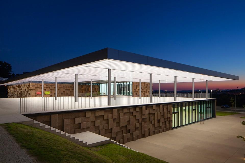 Guimarães – Portogallo Un centro sportivo che bilancia tecnologia e architettura