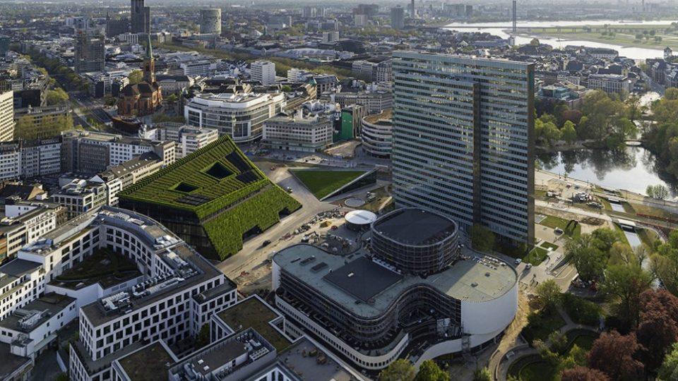 Düsseldorf – Kö Bogen II Il giardino verticale più grande d'Europa